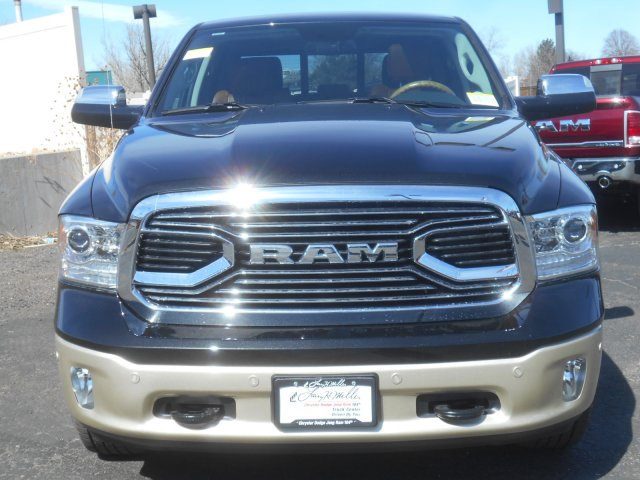 2017 Ram 1500 Crew Cab 4x4, Pickup #HS686757 - photo 4