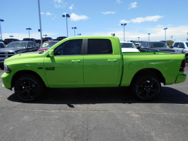 2017 Ram 1500 Crew Cab 4x4, Pickup #HS767680 - photo 4