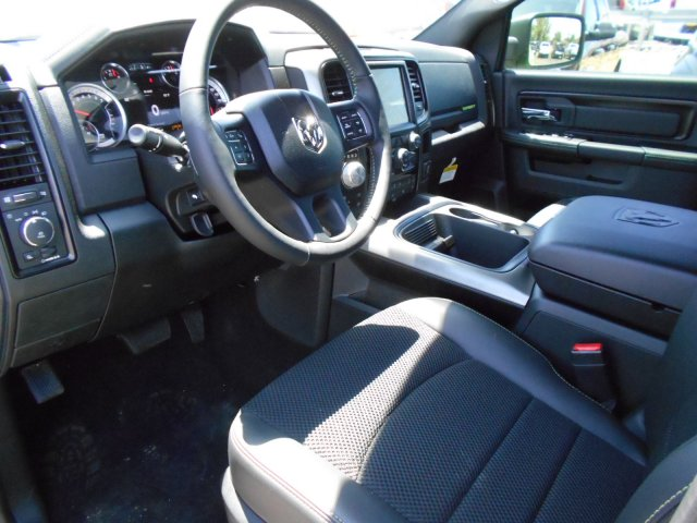 2017 Ram 1500 Crew Cab 4x4, Pickup #HS767680 - photo 10