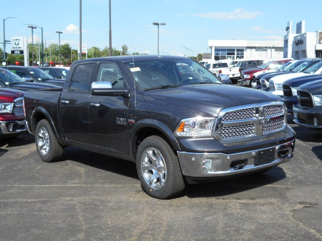 2017 Ram 1500 Crew Cab 4x4 Pickup #HS798962 - photo 6