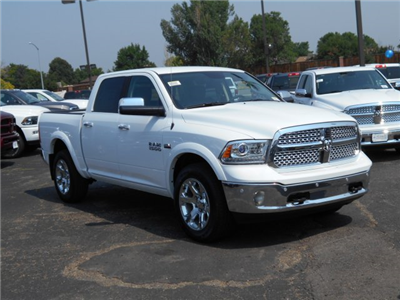 2017 Ram 1500 Crew Cab 4x4 Pickup #HS800131 - photo 3