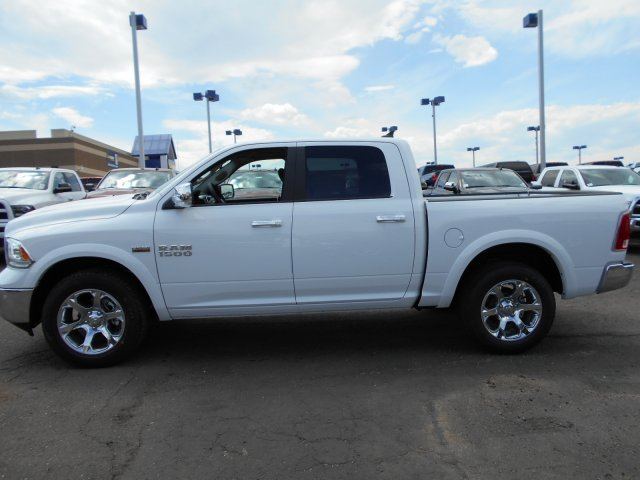 2017 Ram 1500 Crew Cab 4x4 Pickup #HS815331 - photo 5