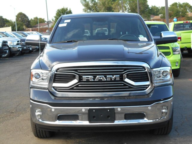 2017 Ram 1500 Crew Cab 4x4, Pickup #HS839057 - photo 3