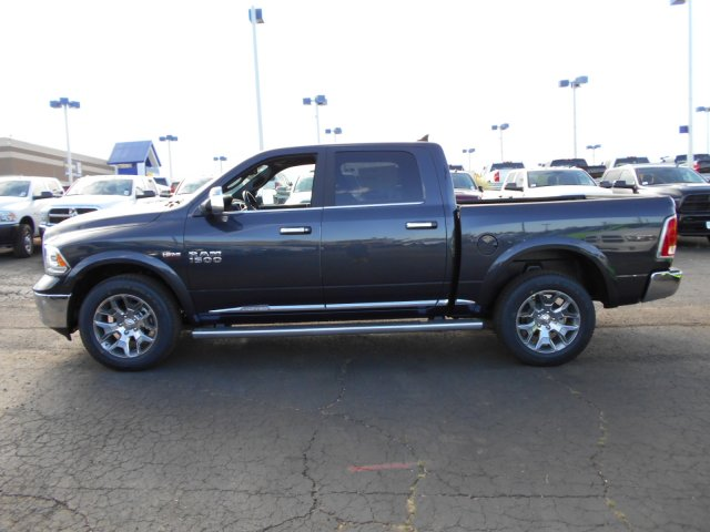 2017 Ram 1500 Crew Cab 4x4, Pickup #HS839057 - photo 4
