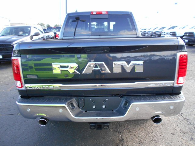 2017 Ram 1500 Crew Cab 4x4, Pickup #HS839057 - photo 5