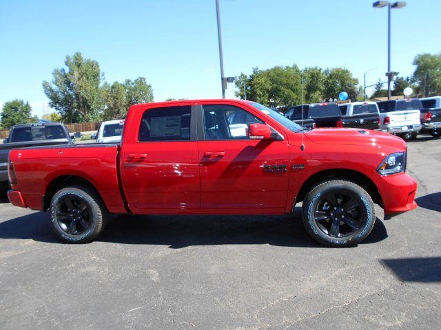 2017 Ram 1500 Crew Cab 4x4 Pickup #HS850349 - photo 7