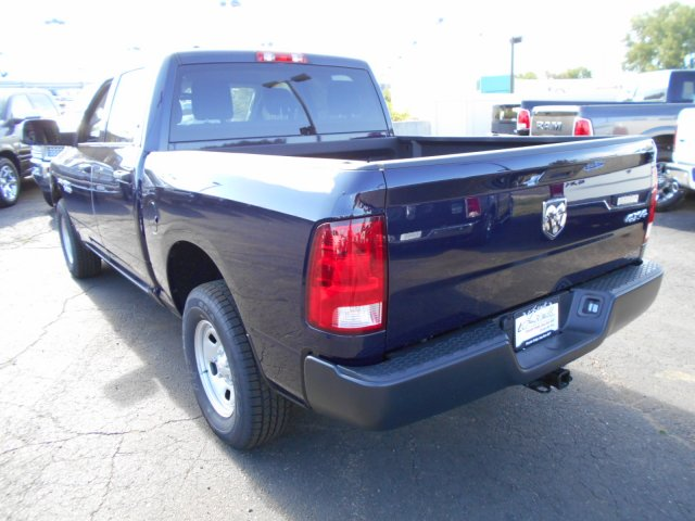 2017 Ram 1500 Crew Cab 4x4, Pickup #HS871047 - photo 2