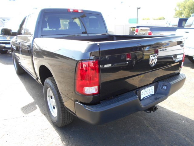 2017 Ram 1500 Crew Cab 4x4, Pickup #HS871050 - photo 2
