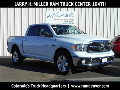 2017 Ram 1500 Crew Cab 4x4, Pickup #HS881393 - photo 1