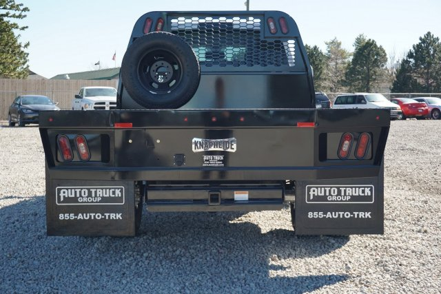 2018 Ram 3500 Crew Cab DRW 4x4, Platform Body #JG104567 - photo 4