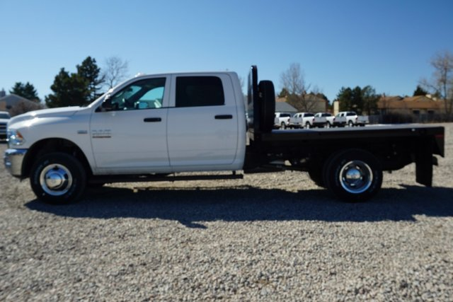 2018 Ram 3500 Crew Cab DRW 4x4, Platform Body #JG104567 - photo 5
