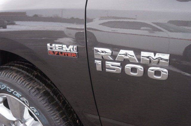 2018 Ram 1500 Crew Cab 4x4, Pickup #JG122852 - photo 12