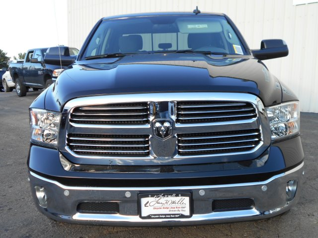 2018 Ram 1500 Crew Cab 4x4 Pickup #JG129685 - photo 4