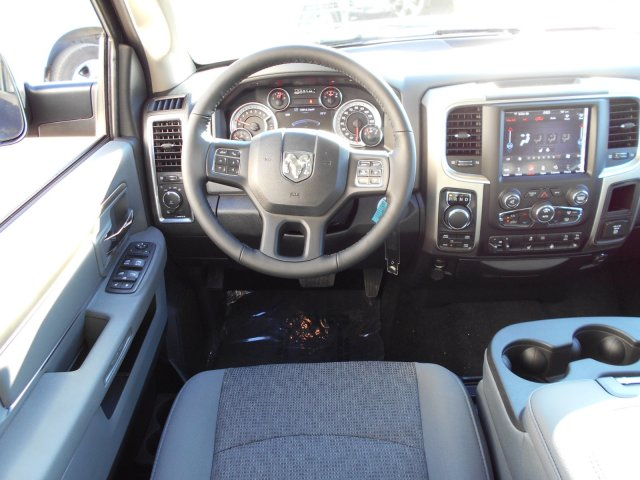 2018 Ram 1500 Crew Cab 4x4, Pickup #JG131173 - photo 10