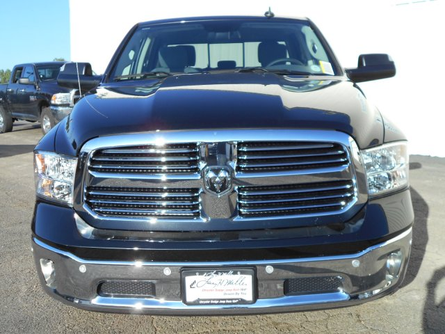 2018 Ram 1500 Crew Cab 4x4, Pickup #JG131173 - photo 4