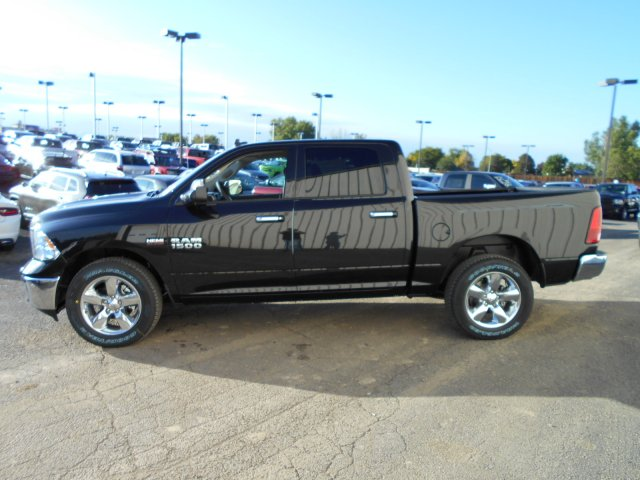 2018 Ram 1500 Crew Cab 4x4, Pickup #JG131173 - photo 5