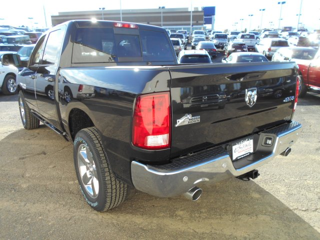 2018 Ram 1500 Crew Cab 4x4 Pickup #JG131173 - photo 2