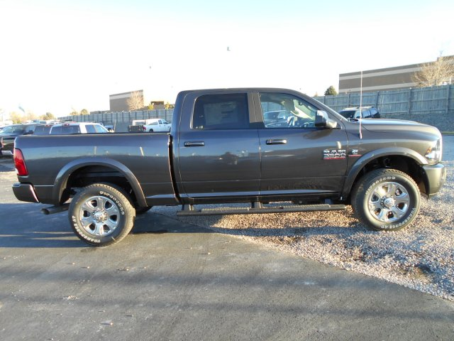 2018 Ram 3500 Crew Cab 4x4 Pickup #JG131890 - photo 7