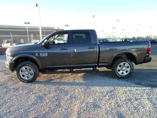 2018 Ram 3500 Crew Cab 4x4 Pickup #JG131890 - photo 5