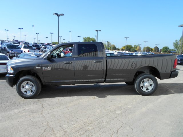 2018 Ram 3500 Crew Cab 4x4 Pickup #JG132754 - photo 5