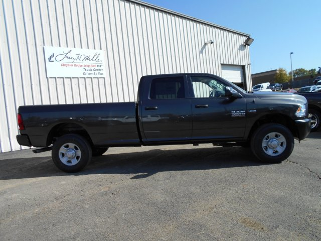 2018 Ram 3500 Crew Cab 4x4 Pickup #JG132754 - photo 7