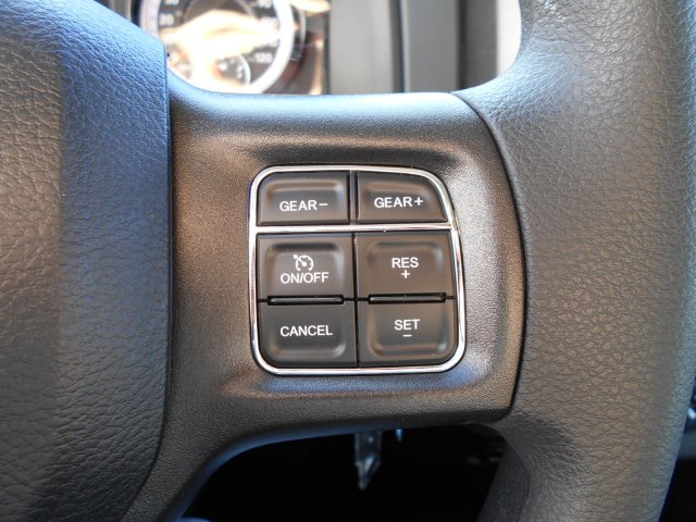2018 Ram 1500 Crew Cab 4x4, Pickup #JG140076 - photo 15