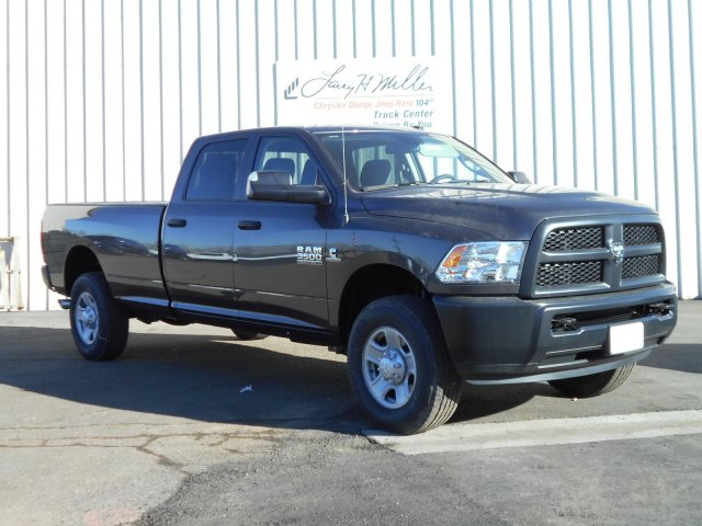 2018 Ram 3500 Crew Cab 4x4, Pickup #JG158952 - photo 6