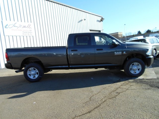 2018 Ram 3500 Crew Cab 4x4, Pickup #JG158952 - photo 7