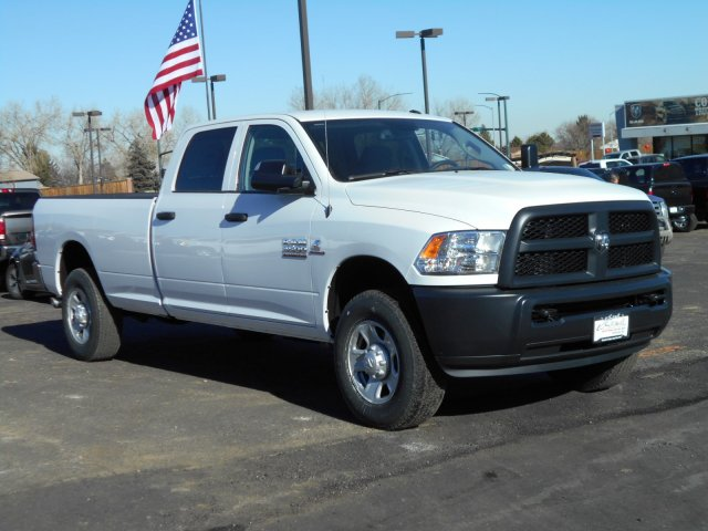 2018 Ram 3500 Crew Cab 4x4, Pickup #JG158967 - photo 4