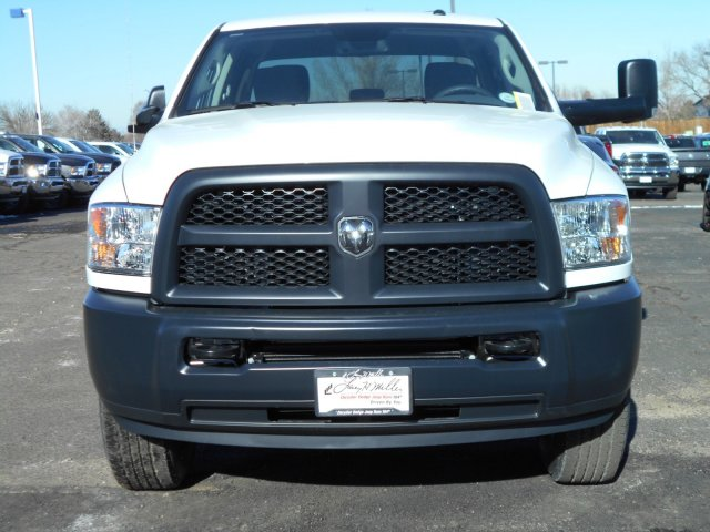 2018 Ram 3500 Crew Cab 4x4, Pickup #JG158967 - photo 3
