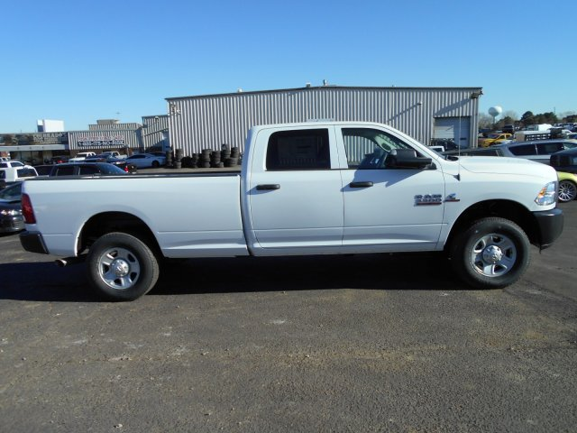 2018 Ram 3500 Crew Cab 4x4, Pickup #JG158967 - photo 7