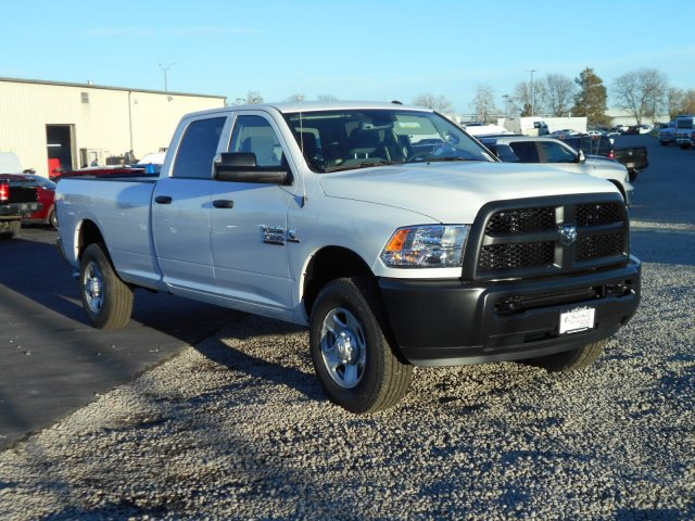 2018 Ram 3500 Crew Cab 4x4, Pickup #JG158968 - photo 7