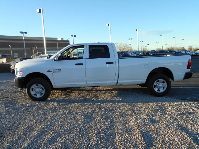 2018 Ram 3500 Crew Cab 4x4, Pickup #JG158968 - photo 4