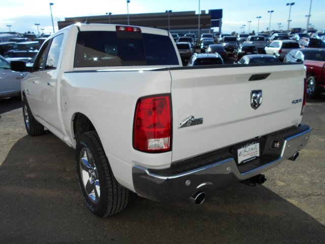 2018 Ram 1500 Crew Cab 4x4, Pickup #JS111100 - photo 2