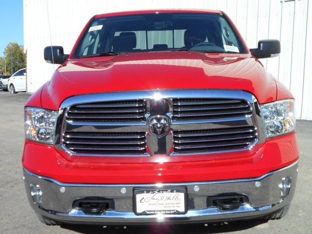 2018 Ram 1500 Crew Cab 4x4, Pickup #JS111105 - photo 4