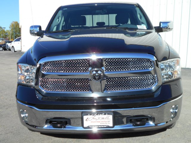 2018 Ram 1500 Crew Cab 4x4 Pickup #JS111121 - photo 4