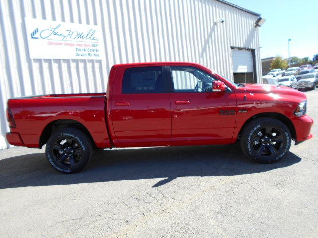 2018 Ram 1500 Crew Cab 4x4, Pickup #JS111165 - photo 6