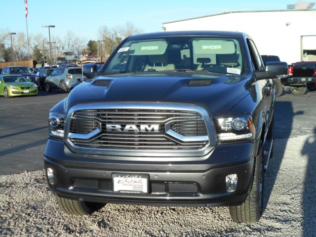 2018 Ram 1500 Crew Cab 4x4, Pickup #JS145033 - photo 4
