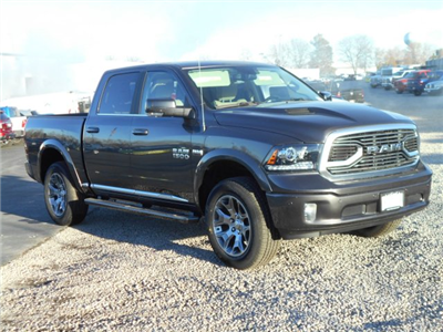 2018 Ram 1500 Crew Cab 4x4, Pickup #JS145033 - photo 3