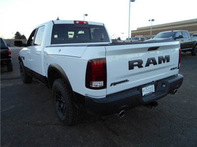 2018 Ram 1500 Crew Cab 4x4, Pickup #JS164083 - photo 2