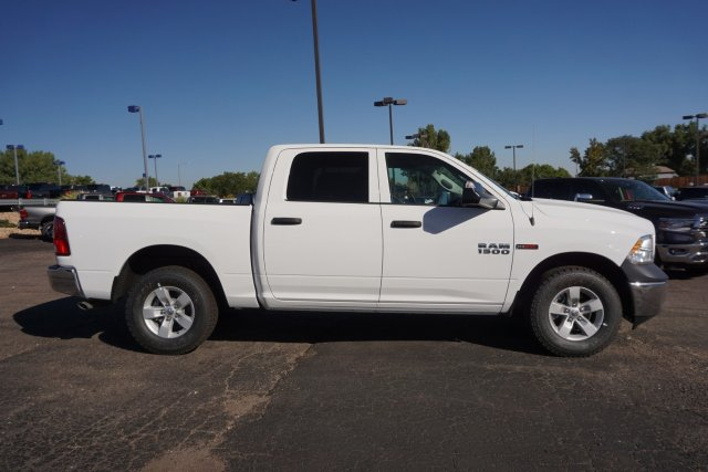 2018 Ram 1500 Crew Cab 4x4,  Pickup #JS268132 - photo 4