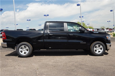 2019 Ram 1500 Crew Cab 4x4,  Pickup #KN515465 - photo 3