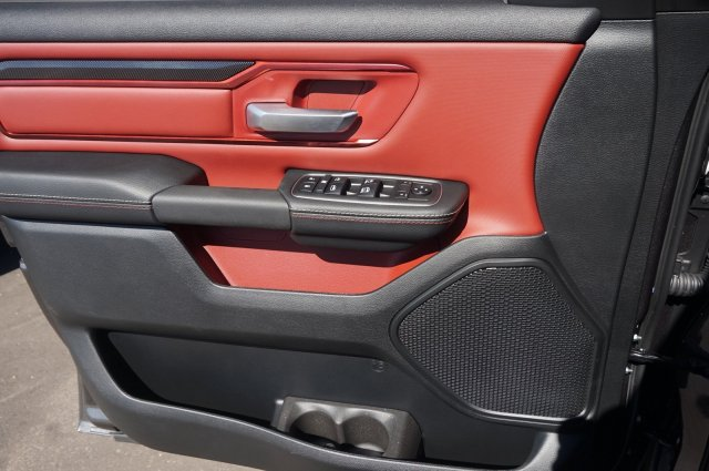 2019 Ram 1500 Crew Cab 4x4,  Pickup #KN559488 - photo 3