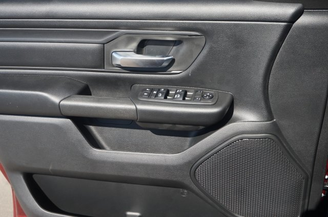 2019 Ram 1500 Crew Cab 4x4,  Pickup #KN651500 - photo 3