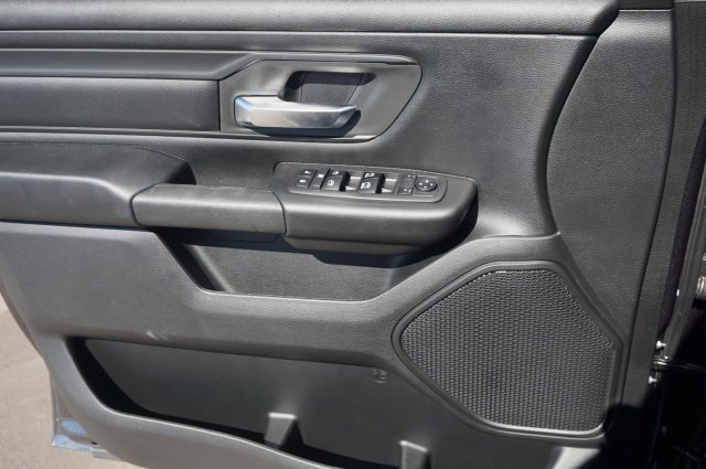 2019 Ram 1500 Crew Cab 4x4,  Pickup #KN651501 - photo 3