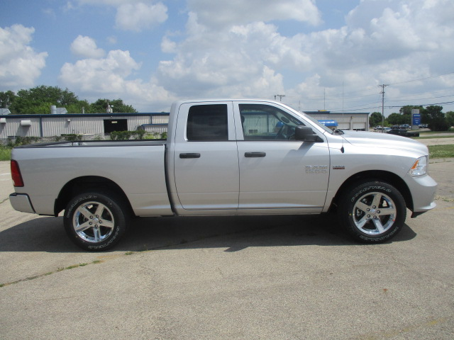 2017 Ram 1500 Quad Cab 4x4 Pickup #D170913 - photo 10