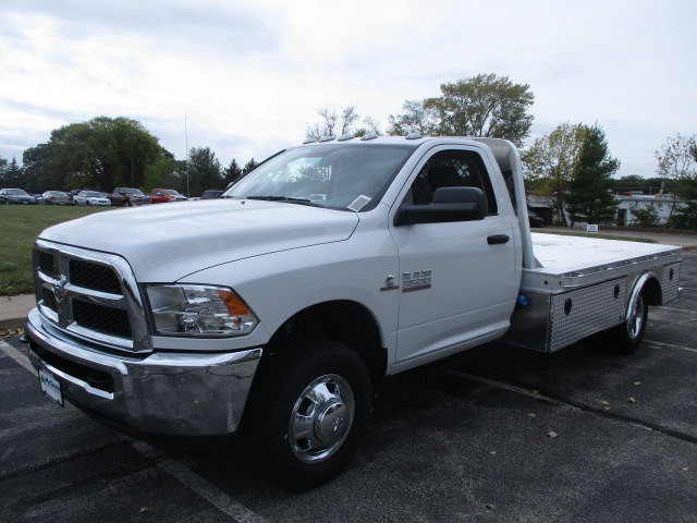 2017 Ram 3500 Regular Cab DRW 4x4, Hauler Body #D170970 - photo 4