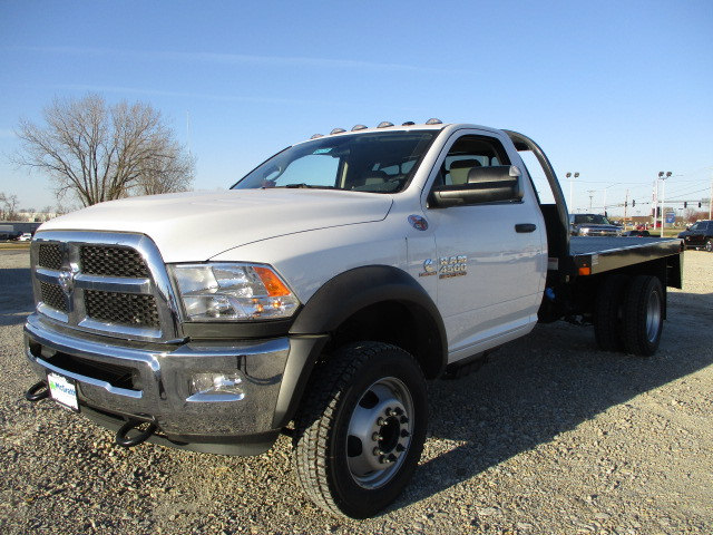 2017 Ram 4500 Regular Cab DRW 4x4, Auto Truck Group Platform Body #D171275 - photo 4