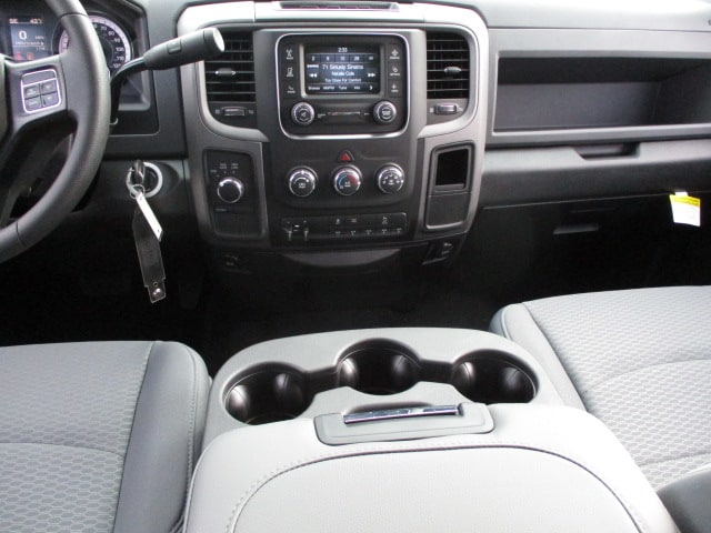 2018 Ram 2500 Crew Cab 4x4 Pickup #D180063 - photo 16