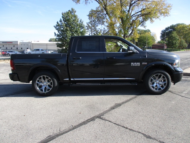 2018 Ram 1500 Crew Cab 4x4, Pickup #D180117 - photo 10